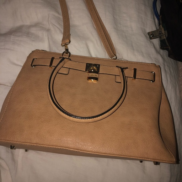 Isabelle Handbags - Isabelle bag never used!!!